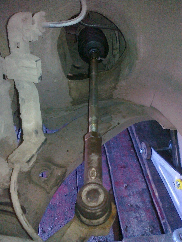 Поменяли рулевые тяги на Тойоте в Новосибирске.